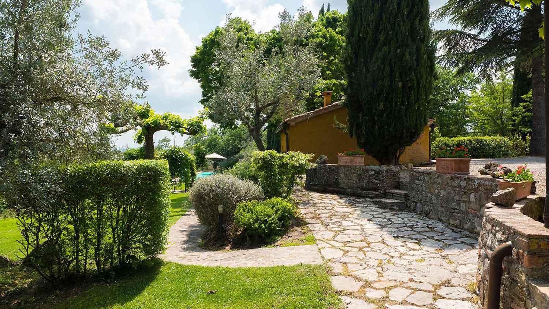 Podere Vigliano Farmhouse Umbria exterior 02-1500
