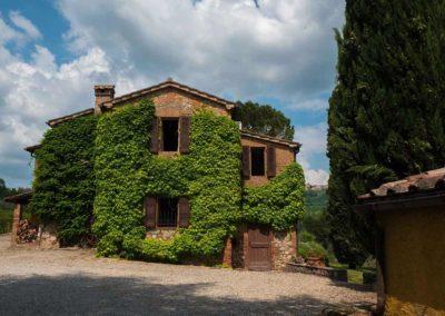 Podere Vigliano Farmhouse Umbria exterior 09-1500