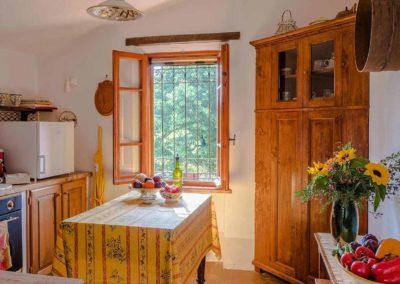 Podere Vigliano Farmhouse Umbria interior 01-1500