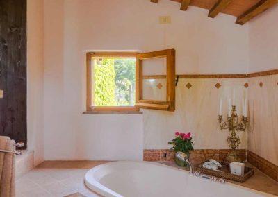 Podere Vigliano Farmhouse Umbria interior 11-1500